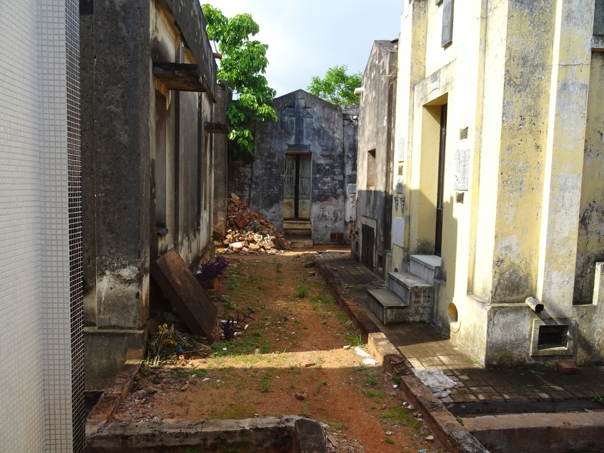A pungent odour is breaking out of these tombs.