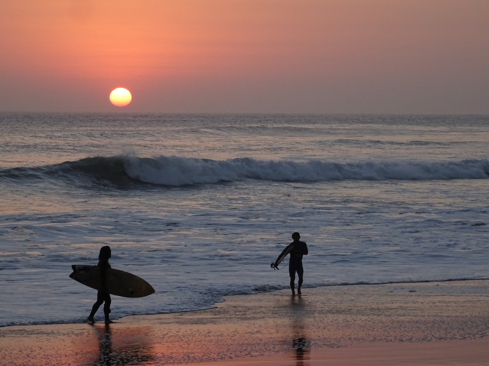 Noone wants to miss a chance for a last surf.