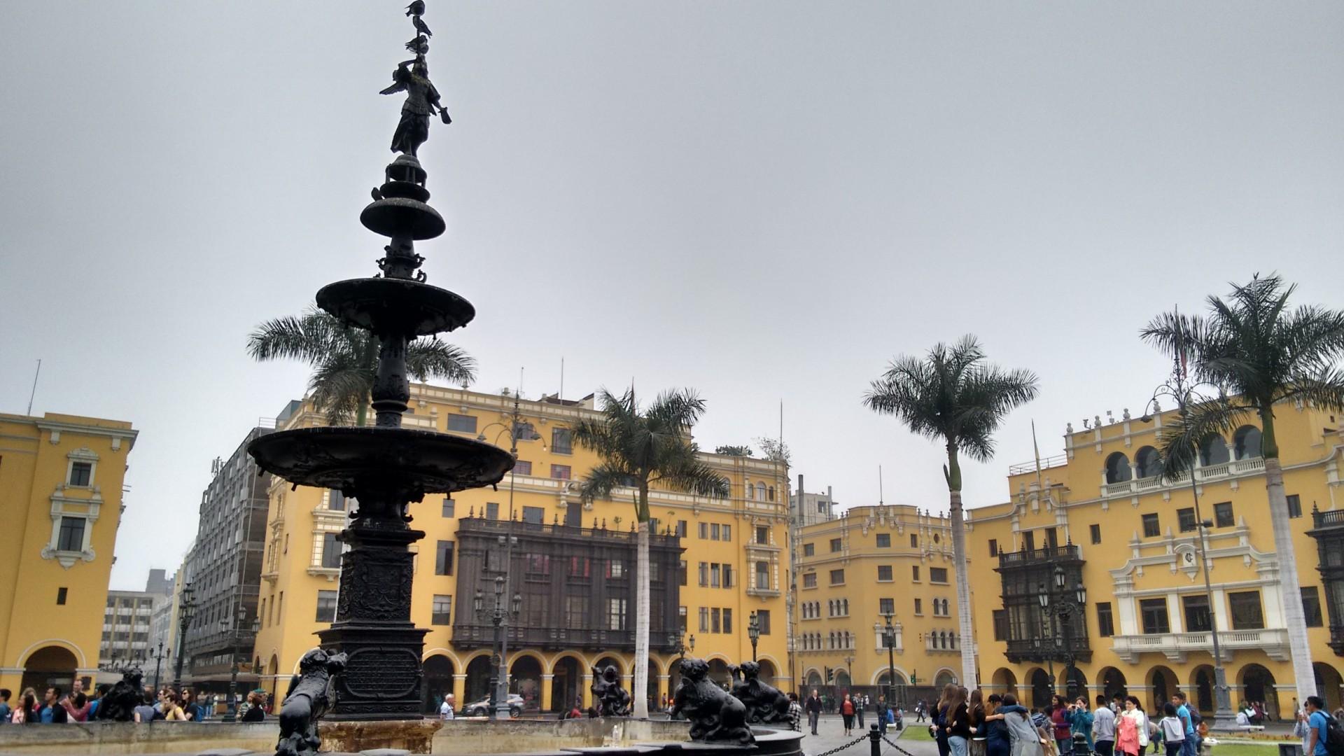 Lima's plaza de armas.